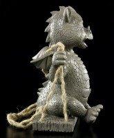 Garten Figur - Lachender Drache auf Schaukel