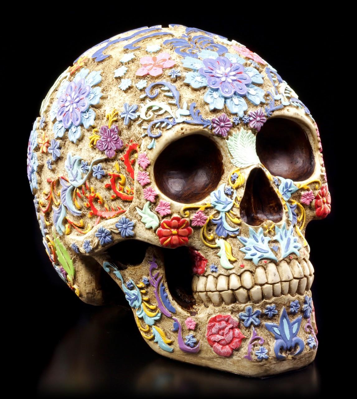 Beiger Totenkopf mit buntem Blumenmuster
