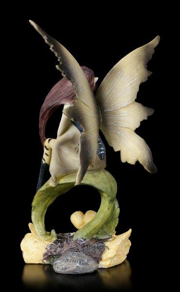 Waldelfen Figur - Suma sitzt auf Blatt
