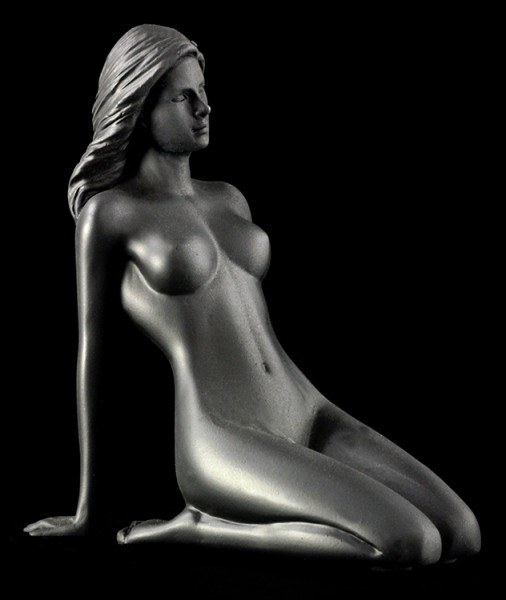 Female Nude Figurine - Bea black