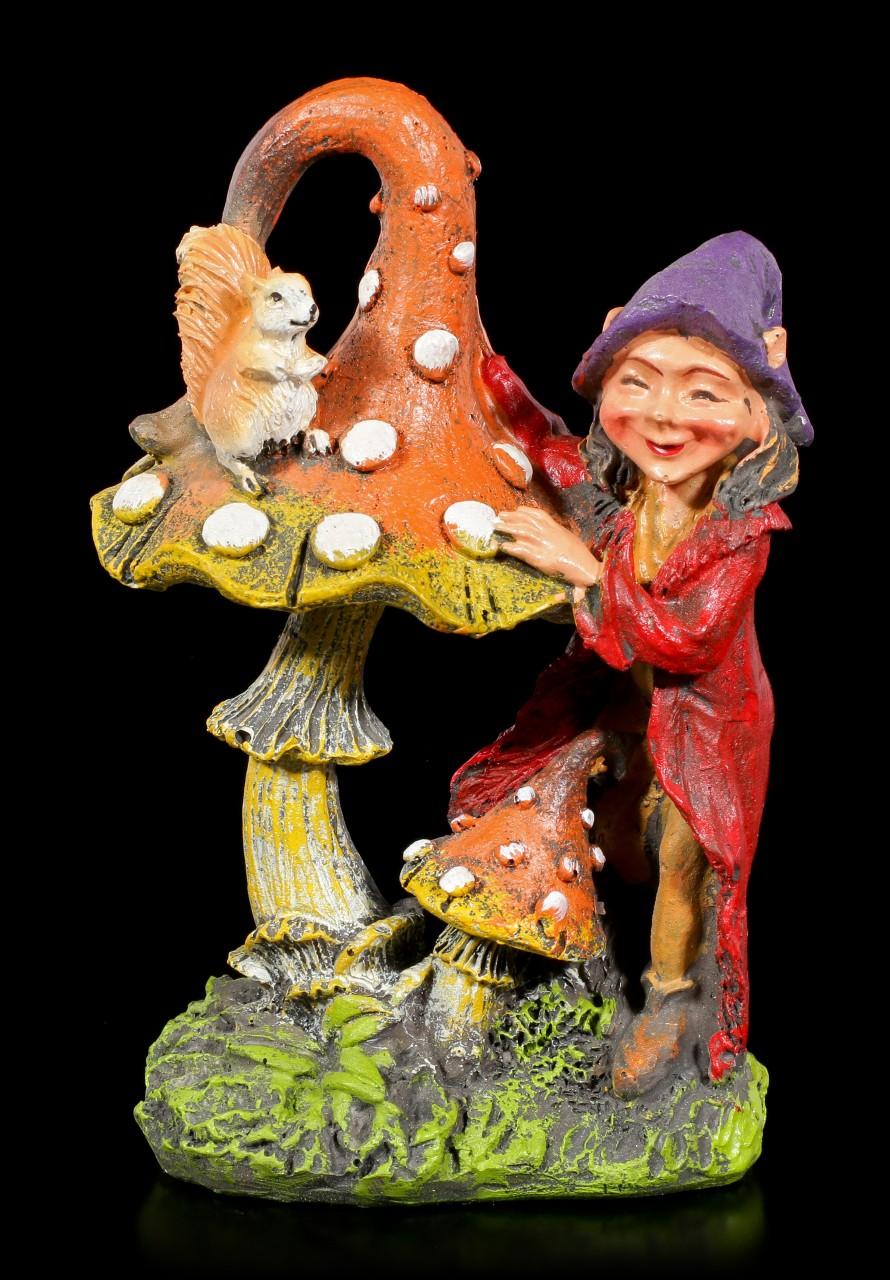 Gartenfigur - Pixie Elfe mit Pilz und Eichhörnchen