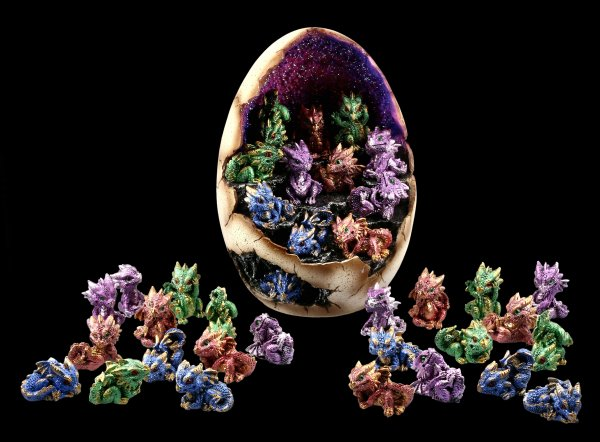 Dragon Figurines with Egg Display LED - Geode Gathering