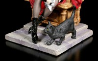 Vampire Girl Figurine on Throne with black Cat