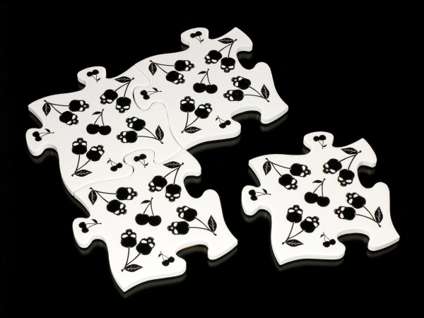 Alchemy Puzzle Untersetzer Set - Black Skull Cherries