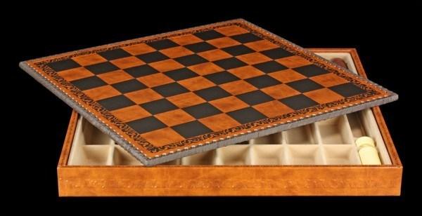 Schachbrett mit Aufbewahrungsbox