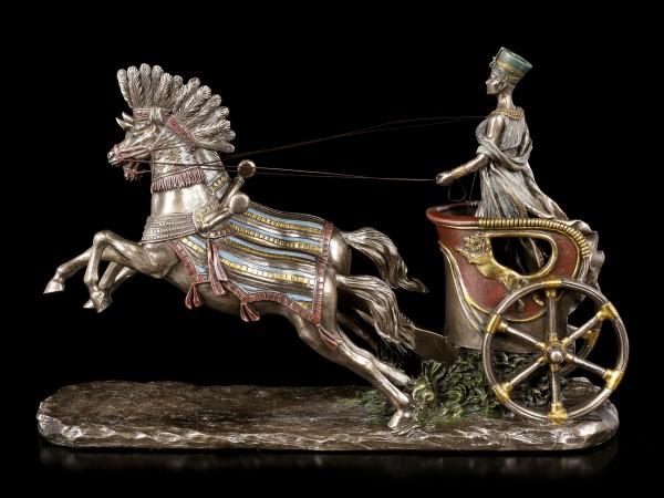 Nofretete Figurine in Chariot