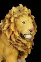 Große Löwen Figur sitzend