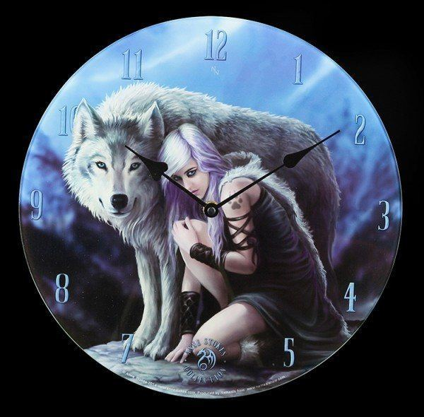 Glas Wanduhr mit Wolf - Protector by Anne Stokes
