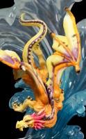 Drachen Figur reitet auf Welle