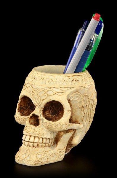 Stiftebecher - Verzierter Totenkopf