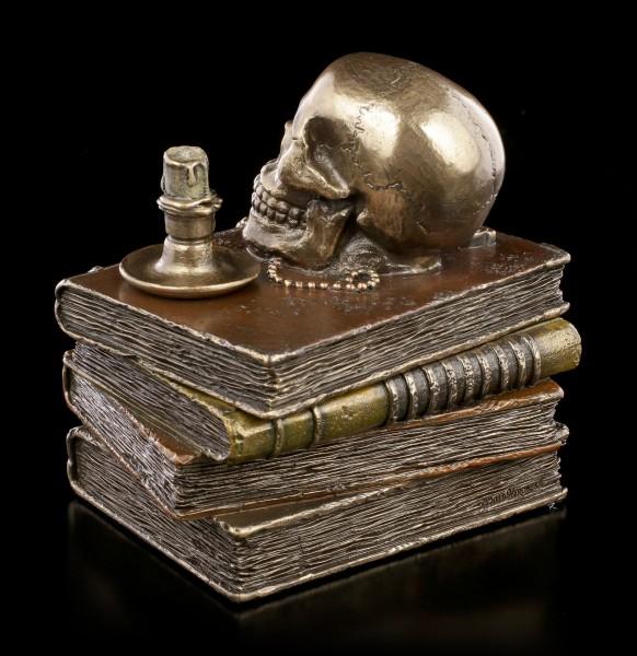 Box - Skull on old Books