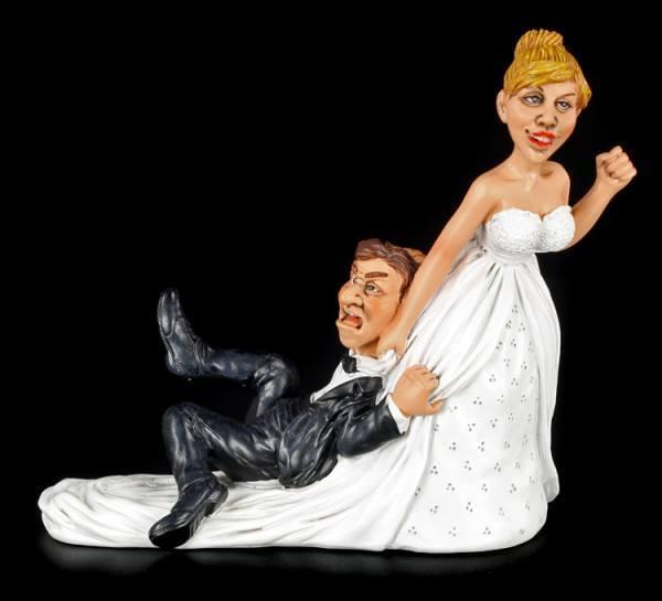 Braut schleift Bräutigam zum Altar - Lustige Brautpaar Figur