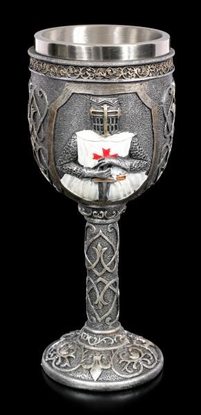 Ritter Kelch - Kreuzritter hält Schwert