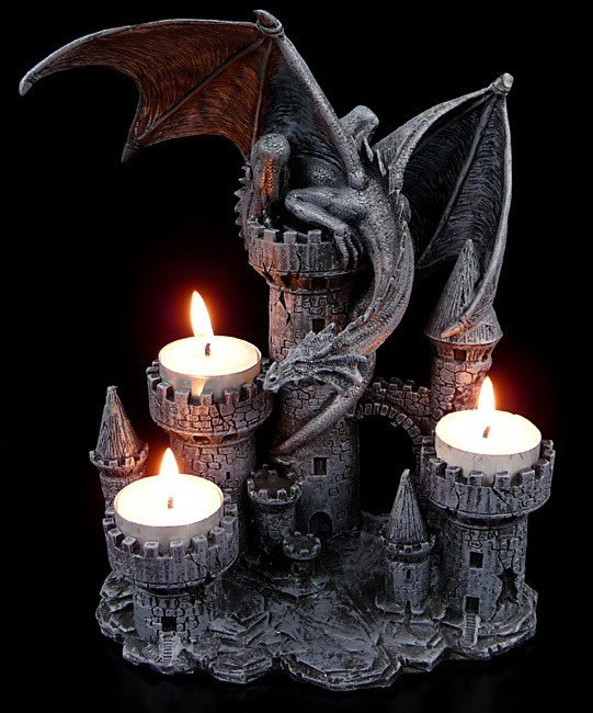 Dragon Tealightholder - Dragon on Castle