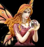 Elfen Figur - Isara auf Rosenblüte mit Kristallkugel