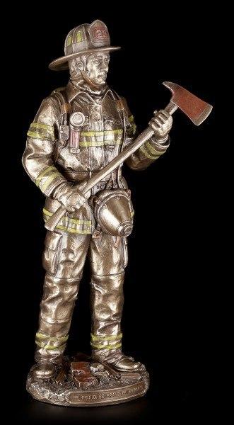Feuerwehrmann Figur mit Axt und Sauerstoffflasche