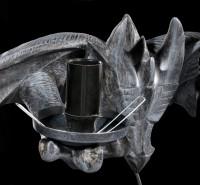 Wandlampe - Drache hält zwei Leuchten