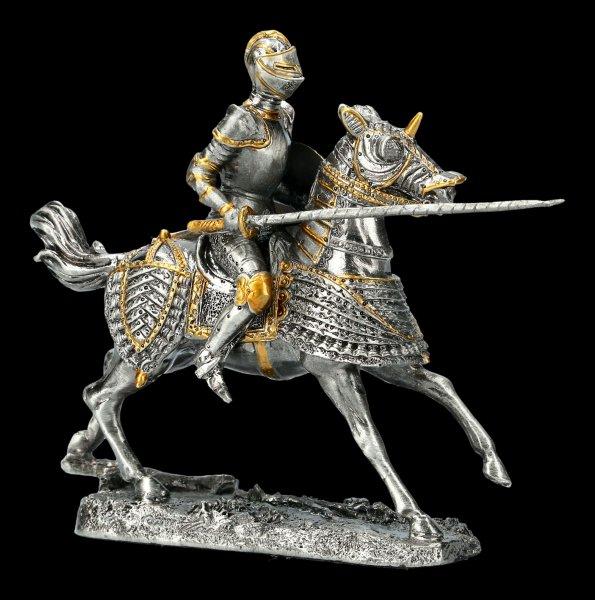 Ritter auf Pferd mit Lanze