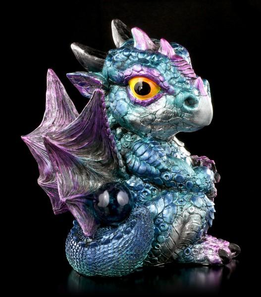 Drachen Figur blau - Blaze mit Kristallkugel