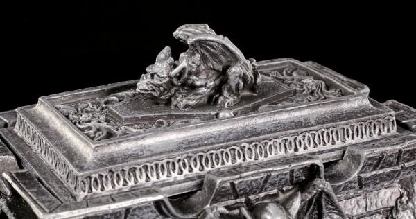 Altertümliche Schatulle mit Gargoyles