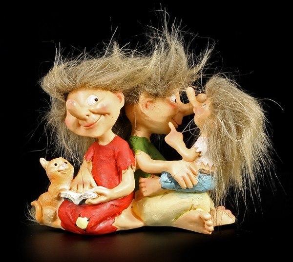 Lustige Troll Figuren - Familien Idylle