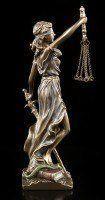 Kleine Justitia Figur mit Waage und Schwert