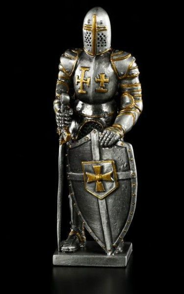 Pewter Knight Templar with Shield