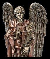 Erzengel Gabriel Figur auf Podest