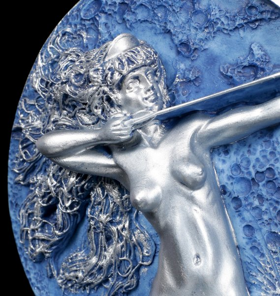 Diana Figur - Mond Göttin by Oberon Zell