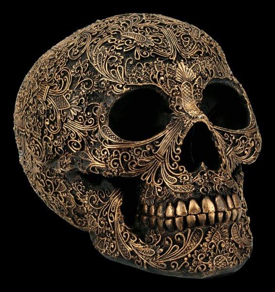 Totenkopf mit feinen Ornamenten