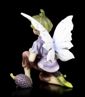 Elfen Figur - Junge sammelt Früchte