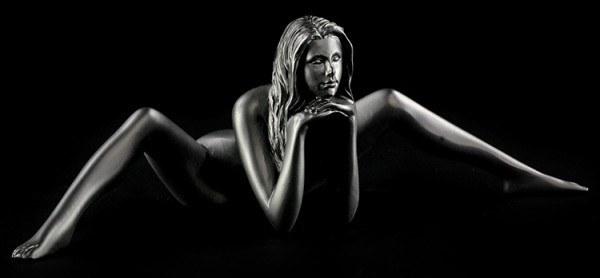 Weibliche Akt Figur - Tara schwarz