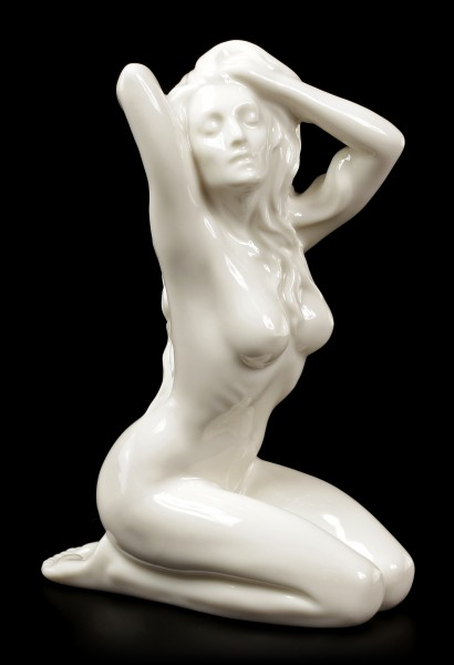 Porzellan Figur - Nackte Frau am Boden