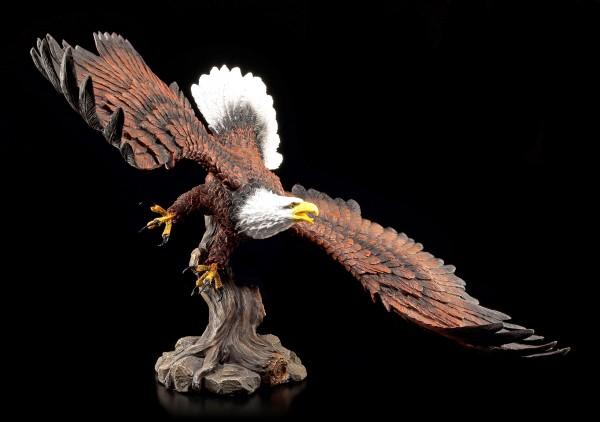 Eagle Figurine - Approaching