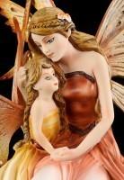 Elfen Figur mit Kind auf dem Schoß