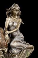 Napkin Holder - Woman next to Shell