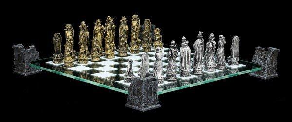 Vampir Schachspiel auf Burgturm
