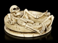 Ascher mit Skelett - liegendes Skelett