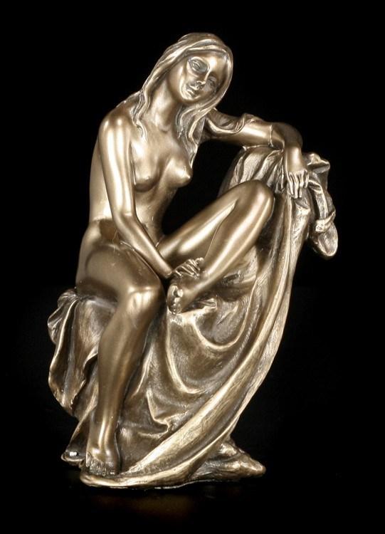 Female Nude Figurine - Betsy