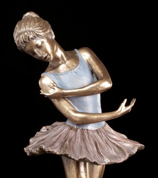 Ballerina Figur - Hände unten