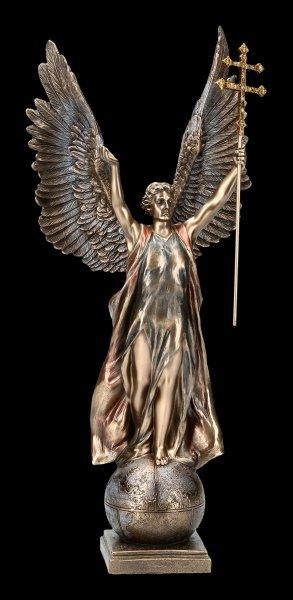 Erzengel Gabriel Figur mit Doppelkreuz