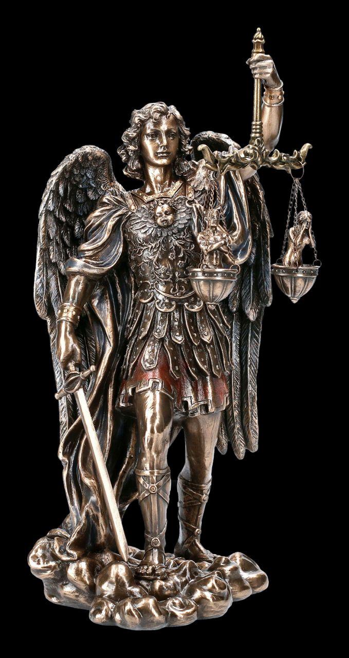 Erzengel Michael Figur mit Seelenwaage
