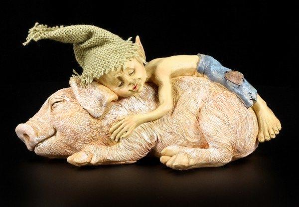 Pixie Kobold Figur - Kuschelt mit Schweinchen