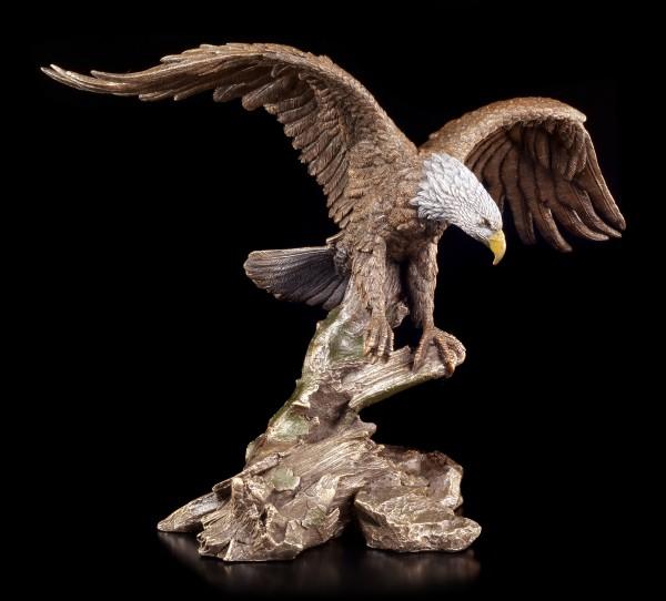 Weißkopfseeadler Figur erhebt sich