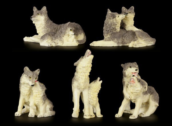 Wolves Figurines - Learning by the - Height: x cm - Width: x cm - Depth: x cm - Material: Cold Cast Resin - hand paintedAdults