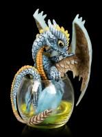 Drachen Figur im Whiskey Glas