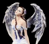 Engel Figur mit Greif - Licht & Dunkelheit