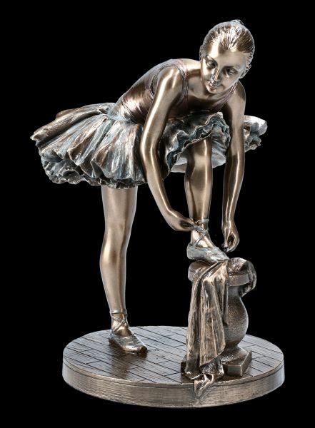 Ballet Dancer Figurine - Ballerina at Preparation