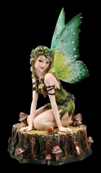 Elfen Figur - Viheria auf Baumstumpf