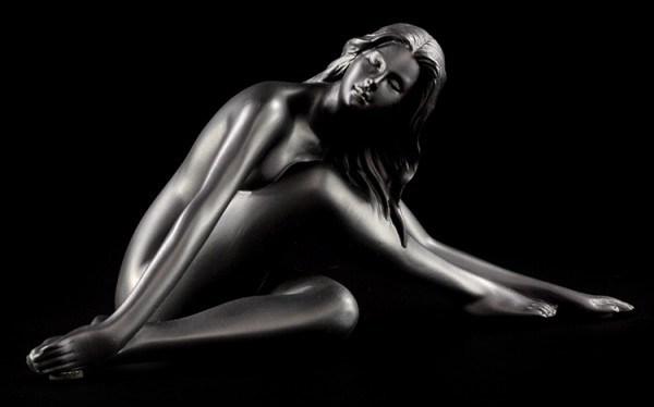 Weibliche Akt Figur - Betty schwarz